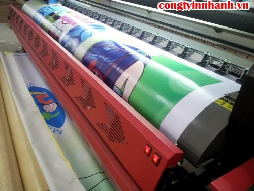 In phông nền quảng cáo ngoài trời với bạt hiflex tại Công ty TNHH In Kỹ Thuật Số - Digital Printing Ltd
